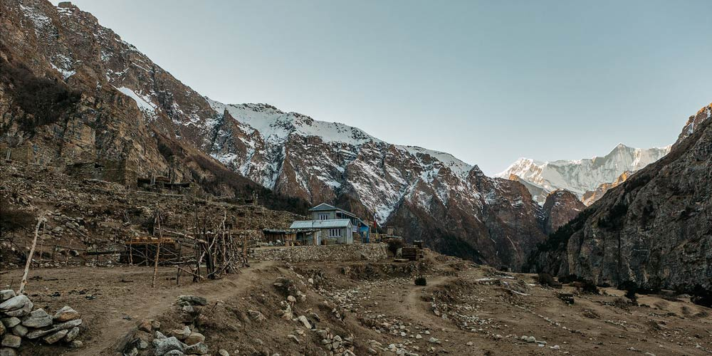 Narphu Valley Thorang la Cross Trek